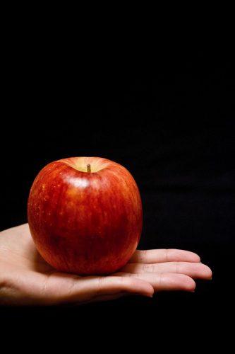 りんごと手